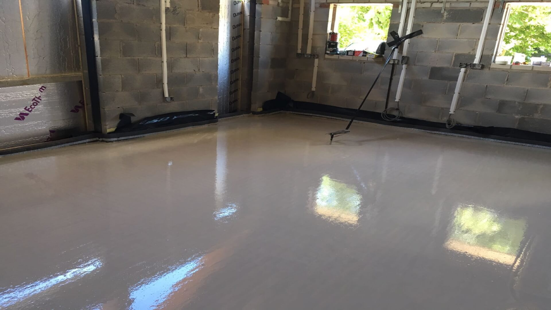 Flowing Floor Screeds Floor Screeding From Traditional
