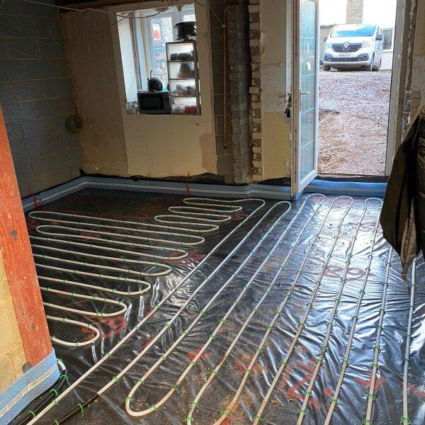 Gypsol | Water Underfloor Heating Manchester | Liquid Floor Anhydrite Screeds | Cemfloor | Flowing Thermio Screeds |